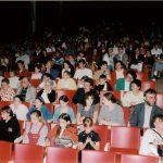 1998 Réunion salle de spectacle